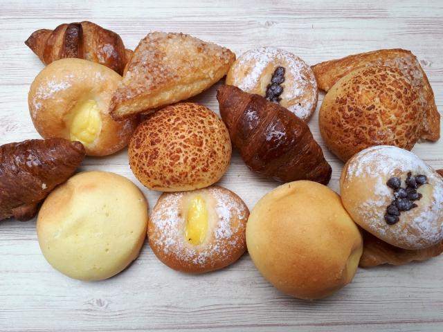 数種類のパン
